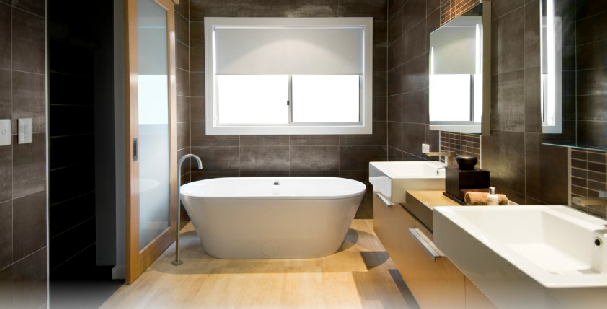 Modern Bathroom Suite With Free Standing Bath